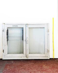 Petite fenêtre cuisine ancienne